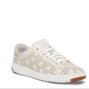 EUC Leather Cole Haan Sneakers - 9